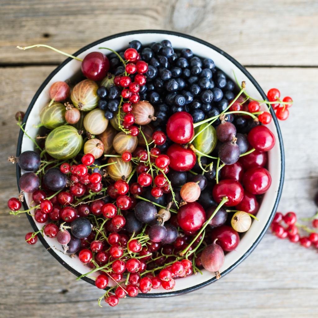 Healthy bowl of berries