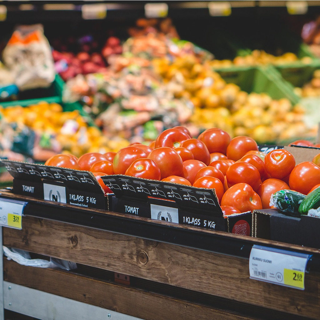 Why buying groceries in bulk saves money