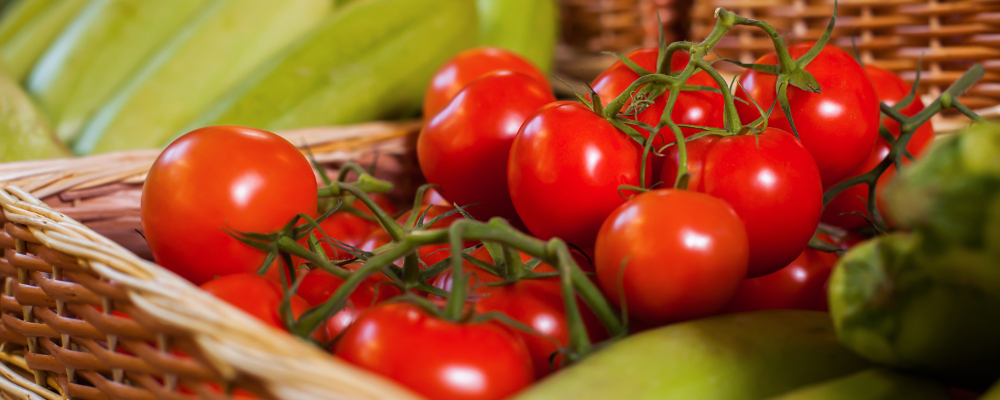 Juicy tomatoes for healthy diet